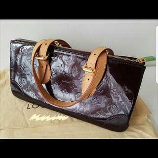 Authentic Louis Vuitton Rosewood Avenue Amarante Bag