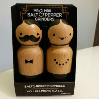 Salt & Pepper Grinder | Mr. & Mrs.|