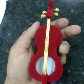 (PREORDER) Velvet Guitar Jewellery Box