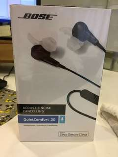 BOSE Acoustic Noise Cancelling Headphones NEVER USED