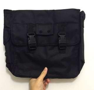 gl/ army sling bag