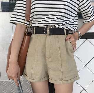 #008 - highwaisted shorts
