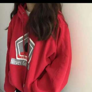 couple hoodie   size : S , M , L , XL , XXL colour : red , white   price : male / female - RM44 for one pcs ( postage : RM8 ) couple - RM67 for one set ( 2pcs ) free postage