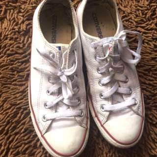 Converse white line blue red