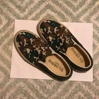 IT@Disney Mickey 布鞋 Slip-ons