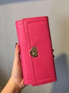 Pink wallet salfator feragamo KW