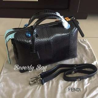 jual tas Fendi By The Way Blue Tail LEATHER MIRROR - black