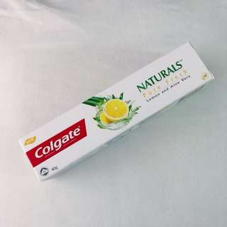 Colgate Naturals Pure Fresh Lemon & Aloe Vera 40g Travel Size