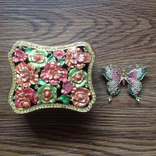 mabelle jewelry box with butterfly brooch
