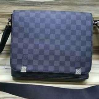 🐼Sling bag for Him [High End quality]