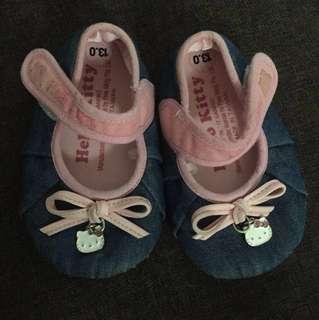 Preloved Hello kitty Baby prewalk Shoes
