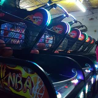 FOR RENT BASKETBALL CLAW MACHINE ARCADE GAMES