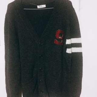 🚚 黑色厚型針織衫