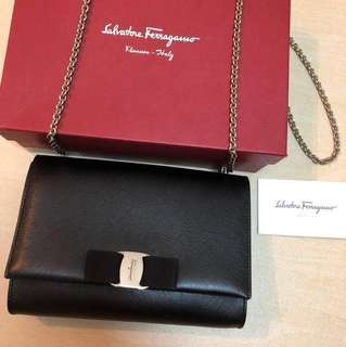 SALVATORE FERRAGAMO MISS VARA SILVER CHAIN SHOULDER BAG BOW 100% AUTHENTIC 85%NEW GENUINE LEATHER REAL BLACK HANGBAG 正貨真皮黑色蝴蝶結銀鍊鏈手袋 RIBBON VALENTINO