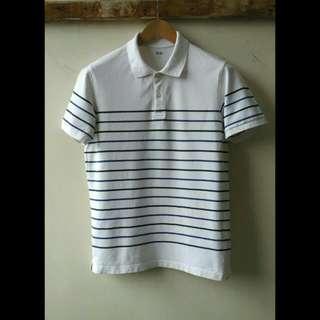Kaos Poloshirt Uniqlo Garis-Garis Original.  Size L, silahkan dicocokkan ukurannya gan : lebar bahu 41cm, lebar dada 50cm, panjang 67cm.