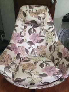 Swivel chair floral