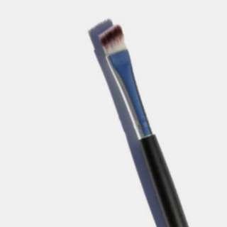 BN E114 ANGLED BROW BRUSH