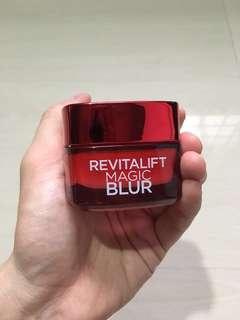 L'Oréal Revitalift Magic Blur Anti-Aging Moisturiser