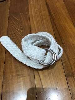 Whit knit belt