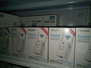 TP-Link Wi-Fi Range Extender. TL-WA860RE. 1 year warranty. Extend your wifi coverage.