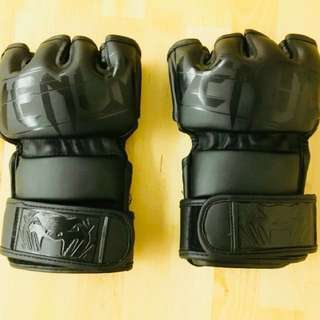 Venum Fight Gloves MMA (Size M)