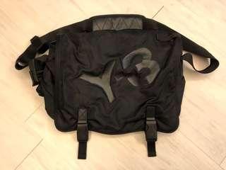 Y3 斜孭袋