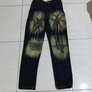 Celana jeans cowok (1)