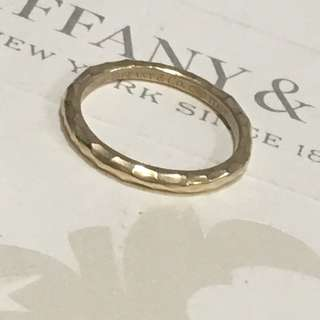 Authentic Tiffany & Co Paloma Picasso Hammered Band Ring 18k Yellow Gold 750