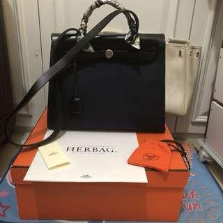 Hermes herbag 31.  黑白兩用 2way bag