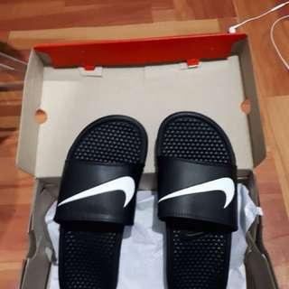 nike bannashi swosh sandal