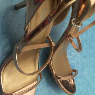 Reprice !! Fionni payless shoes (rosegold)