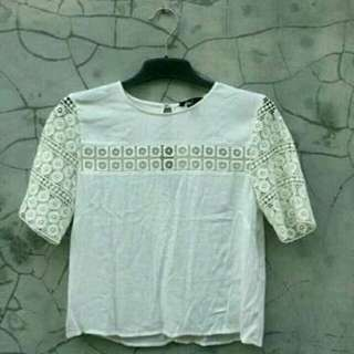 Preloved White Top by H&M