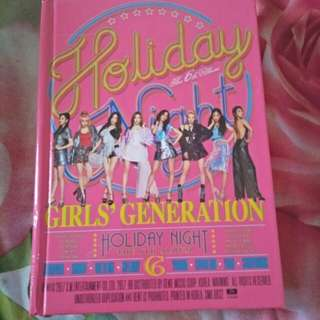 Albun snsd holiday night.