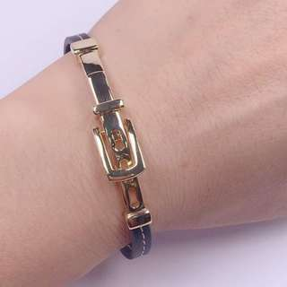 Unisex bracelet New arrival🔥🔥🔥🔥 🌈catier inspired belt leather bangle🌈 👉🏻quality:korean silver plated(kapal)                  Japan gold plated(kapal)                  Leather 👉🏻size: adjustable size(on picture) 👉🏻price:retail: 499.00 🙏🏻