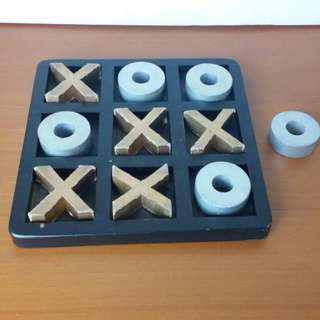 Wood And Board Paper Tic Tac Toe