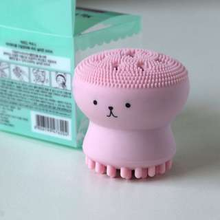 Cute Jellyfish Facial Cleansing & Exfoliating tool