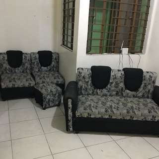 Slightly used Sofa Set