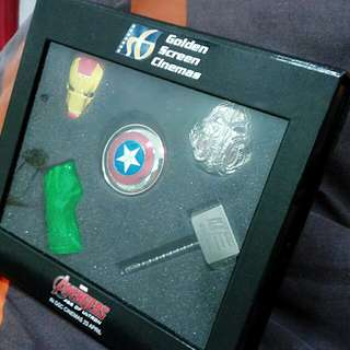 Golden Screen Cinemas Limited Edition Avengers Keychain (full set)