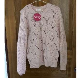 🚚 Net雕花粉色針織毛衣