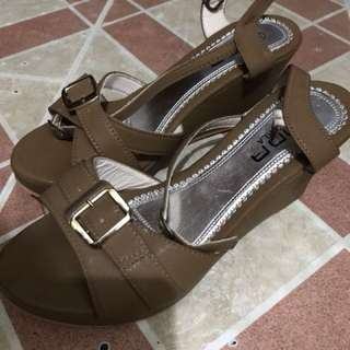 brown wedge