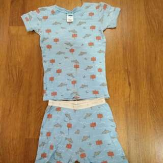 old navy boy set (2 - 3 year old)
