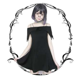 暗黑哥特風黑色一字領吊帶連衣裙性感露肩小黑裙收腰顯瘦