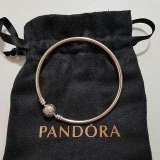 全新Pandora雪花bangle 19cm 連原裝防塵袋