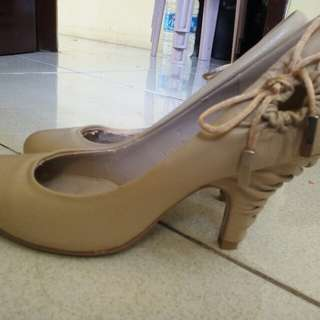 Low heel pumps/shoes