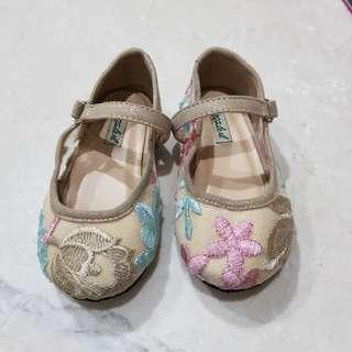 Sepatu Ittaherl Size 22