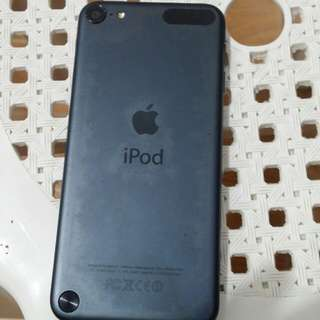 iPod touch 5th gen 32gb Black (9.5/10)