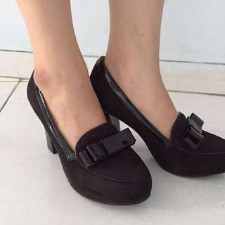 Heels Bucheri Black