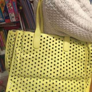 Zara 袋型光黃