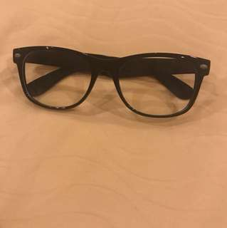 Fake black frame glasses