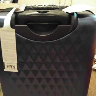 全新Le Maurice Suitcase 20吋